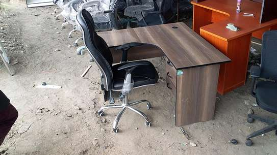 L shape office desk and chair. image 2