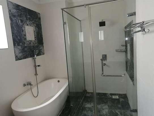 4 bedroom apartment for rent in General Mathenge image 10