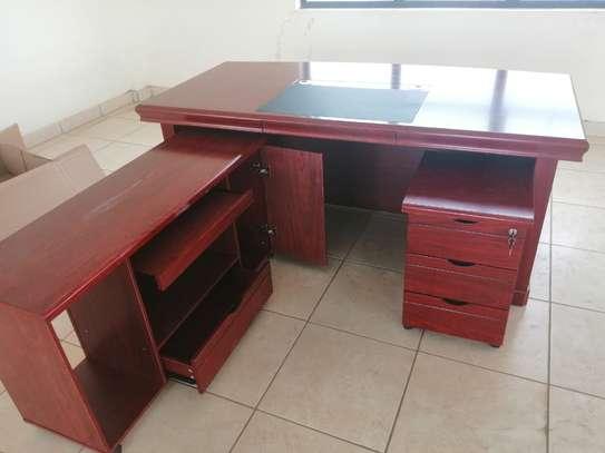 1.8 meter length Executive office desk image 9