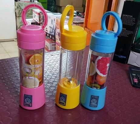 Rechargeable portable Blender/ Electric Fruit Mixer