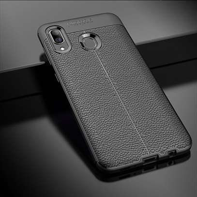 Auto Focus Leather Pattern Soft TPU Back Case Cover for Samsung M10 M20 M30 image 3