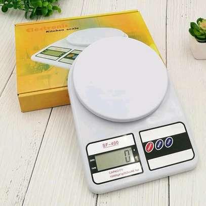 *Digital kitchen weighing scale +2 batteries