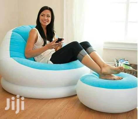 Inflatable Seat With Foot Rest Plus Pump image 5