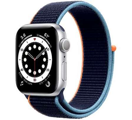 Apple Watch Series 6 LTE Aluminum 40mm image 1