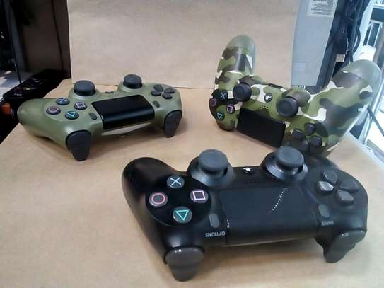 Used Ps4 Controllers image 2