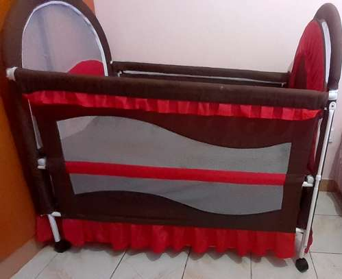 Baby cot - As good as new image 4