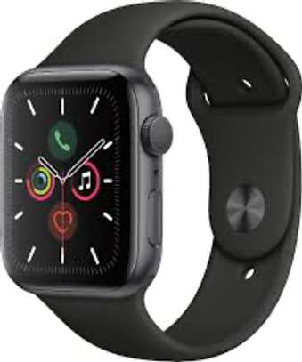 Apple watch series 5 image 2
