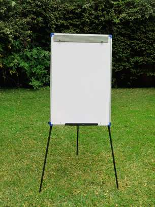 CLASSIC STEEL EASEL WHITEBOARD PORTRAIT ORIENTATION, ALUMINUM FRAME, ON A TRIPOD STAND & PORTABLE!