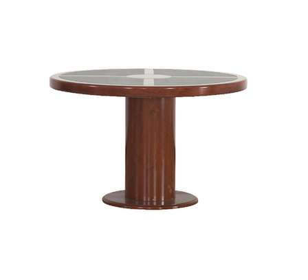 Treffen – Conference Table. image 1
