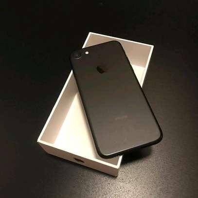 Apple Iphone 7   256gb Gigabytes   Black image 1