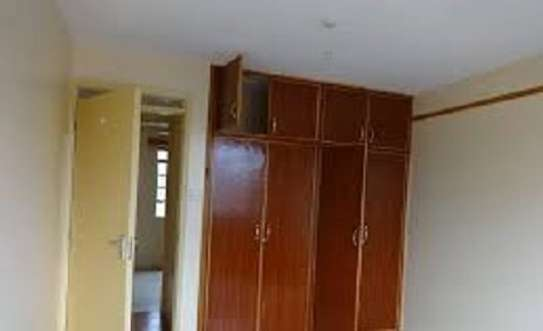 BEAUTIFUL 3BRM  & LARGE DSQ TOWNHOUSE WITH BRAND NEW FLOORS. image 2