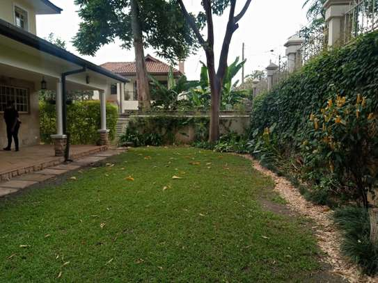 5 bedroom house for rent in Lavington image 15