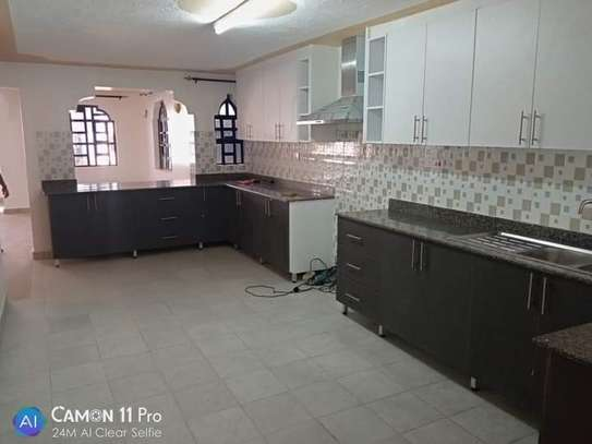 4 BEDROOMS, TOWNHOUSE THINDIGUA TO LET: 90K image 5