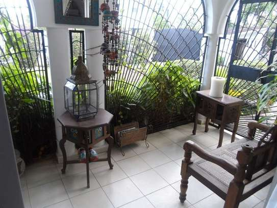 4 bedroom house for sale in Mkomani image 4