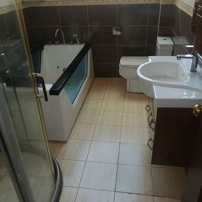Magnificent townhouse to let in Lavington. It's a 6 bedroom all ensuite image 8
