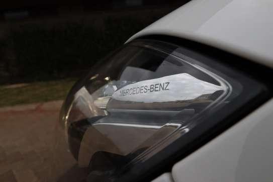 Mercedes-Benz E250 image 14