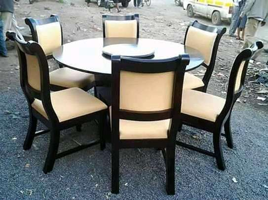 6-seater round dining table with spinner