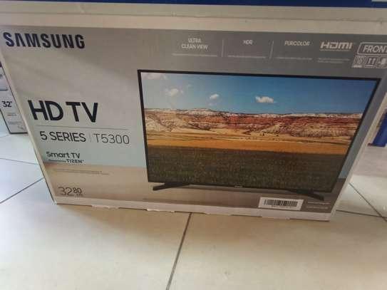Samsung 32 smart t5300 digital tv image 1