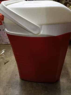 23 Liters Cooler Box image 4