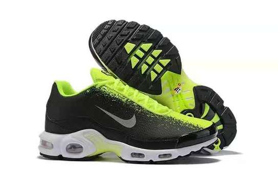 Nike shoes image 1