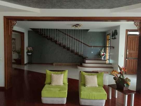 5 bedroom villa for rent in Karen image 5