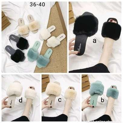 Ladies fur laced sandals image 1