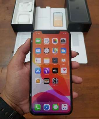 Apple iphone 11 pro 512gb Green like a new one image 1