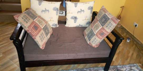8 seater african themed
