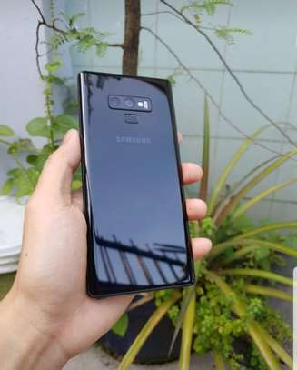 Samsung Note 9 image 2