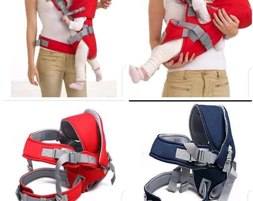 Cross arm baby carrier image 1