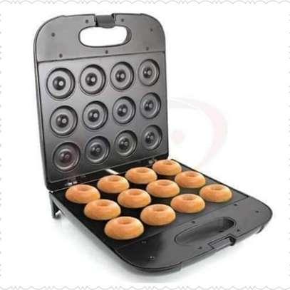 Doughnut maker image 1