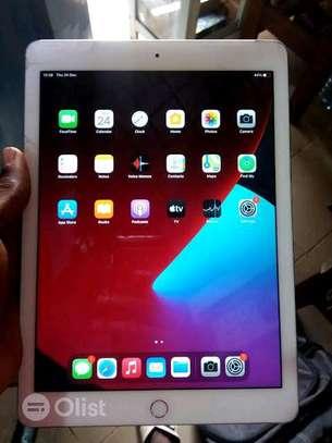 Ipad Air 2 Version 14.3 128 GB (Refurb) image 4