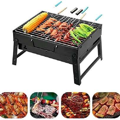 Portable barbeque charcoal grill image 1