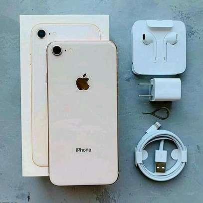 IPhone 8 64gb image 1