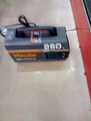 Kzubr Inverter Welding Machine 250A image 1