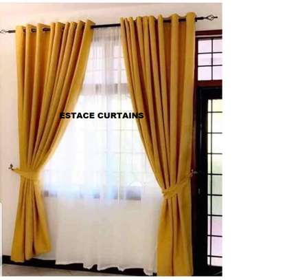 curtains and curtain blinds. image 5