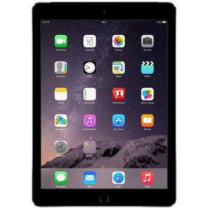 Apple IPad AIR 5th Generation 9.7-inch, Wi-Fi, 4G,WITH SIM 64GB, Retina - Space Gray image 2