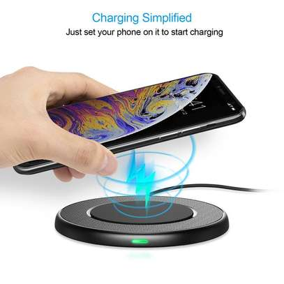 7.5W Wireless Fast Charging Pad image 1