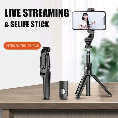 K21 tripod selfie stick image 1