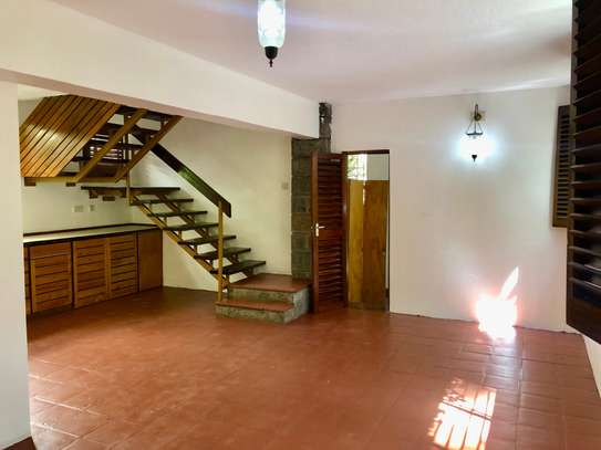 2 bedroom house for rent in Lavington image 10