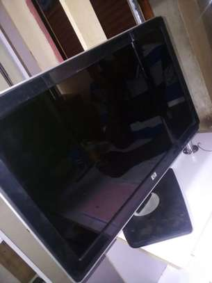 HP 22  INCHES MONITOR WITH HDMI image 1