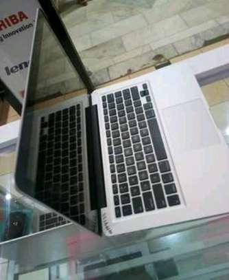 Macbook pro corei5 (2012) image 1