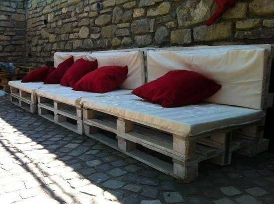 Simple Modern Quality 4 Seater Pallet Sofa image 1