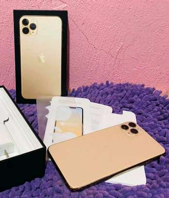 Apple Iphone 11 Pro Max Gold 512 Gb And Iwatch Nike Edition image 1