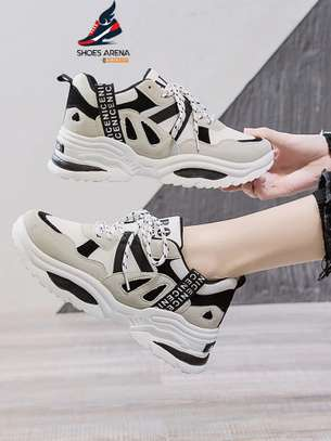 Sport shoes/Sneakers image 6