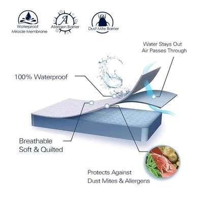 Waterproof mattress protector image 2