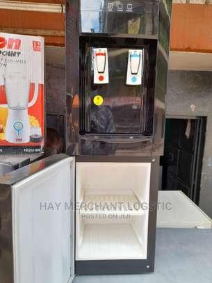 Water Dispenser Von Hotpoint image 4