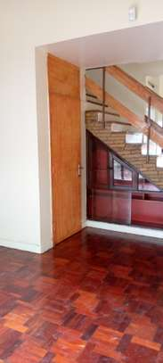 Comfortable uptown town house 3 Bedroom with DSQ, in the heart of Upperhill image 5