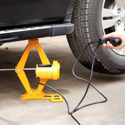 7 tonnes Electric Car Jack Kit with Wrench image 2