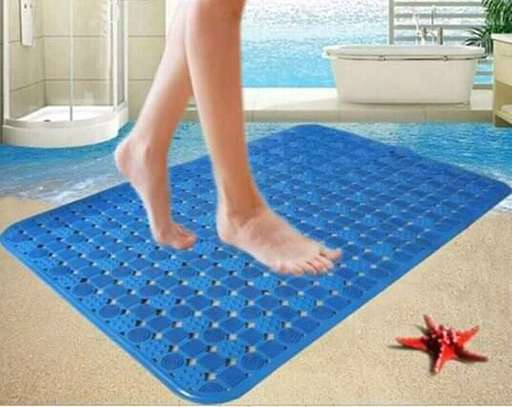 ANTI SLIP BATHROOM MATS image 2